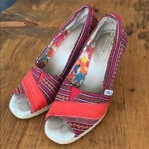 🌱fresh listing! Toms wedges size 6